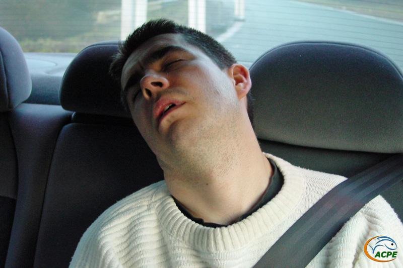 8h, Seb dort toujours