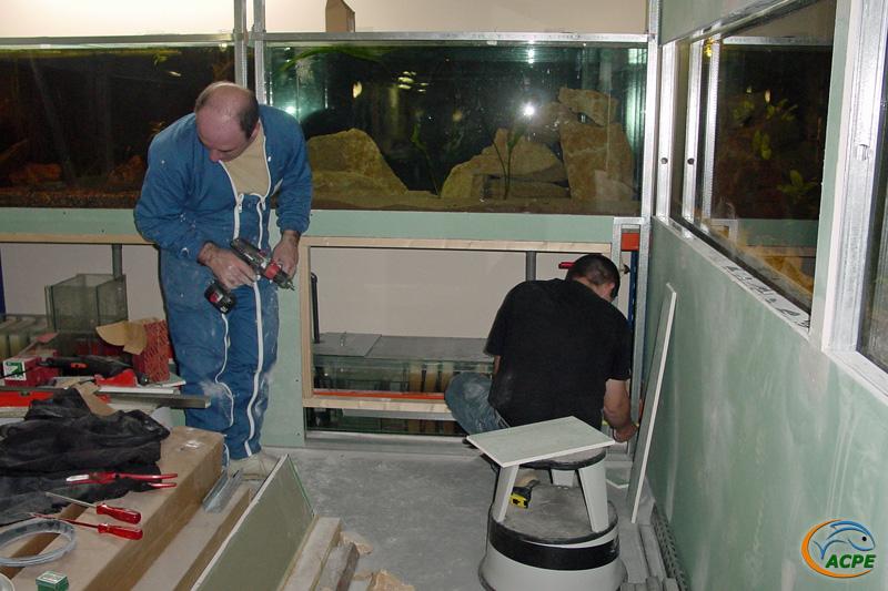 26 mars 2003, réalisation de l'habille des aquariums de 750 litres