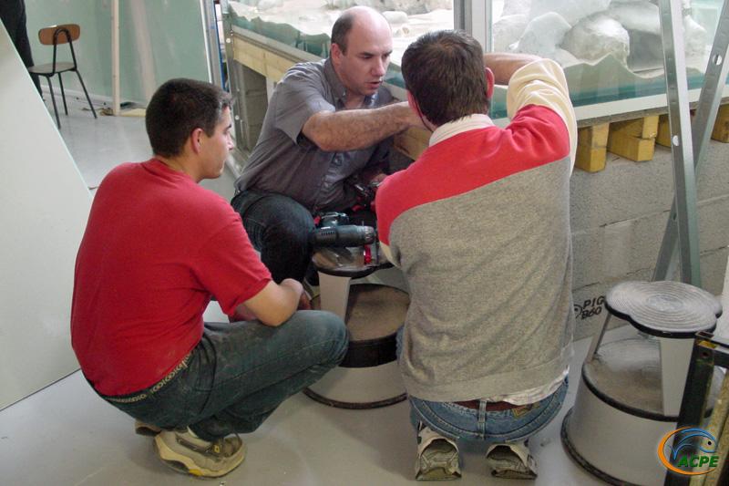 15 mai 2003, réalisation de l'ossature sur l'aquarium de 3000 litres