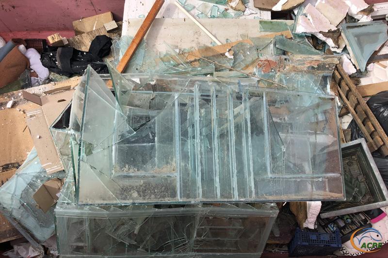 27 juin, à la déchetterie, les déchets sont répartis en fonction de leur nature.
