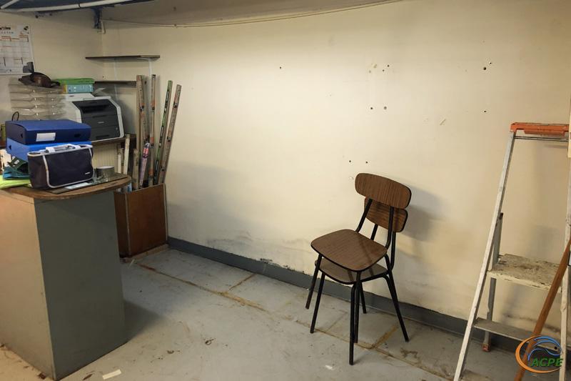 23 août, les armoires vides de l'espace gestion sont prête à partir, dans l'ex salle de réunion