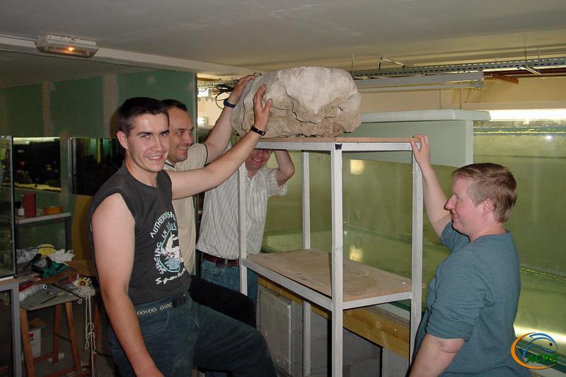 30 avril 2003, mise en place de la plus grosse roche