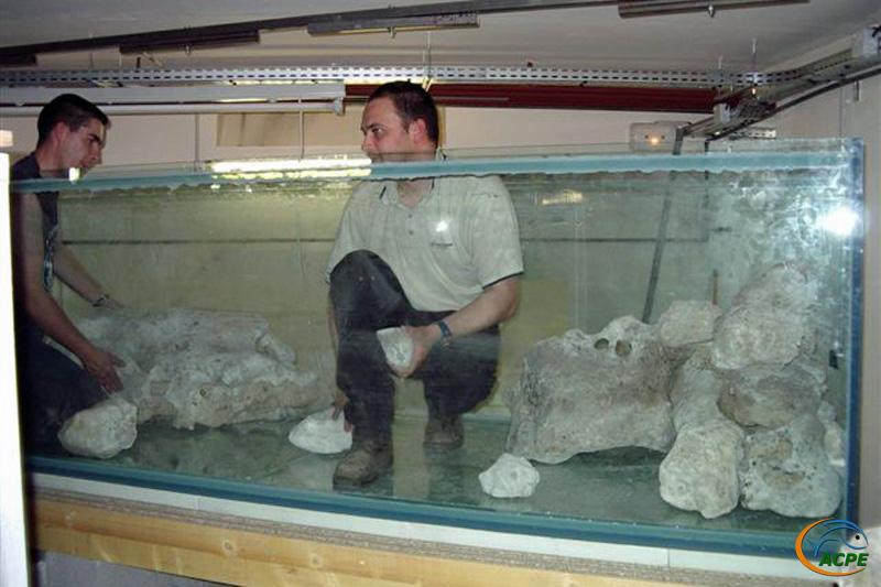 30 avril 2003, mise en place du décors rocheux