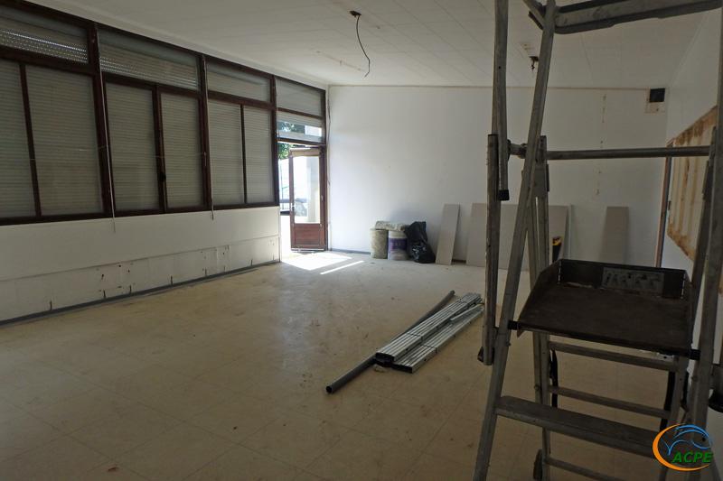 La salle d'exposition prête à recevoir son isolation